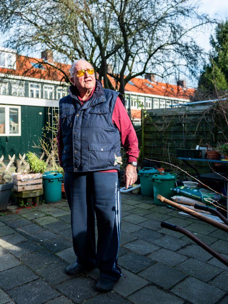 Portret Fred Stol. Bewoner Monnikerdammerweg in Tuindorp Nieuwendam, Amsterdam.