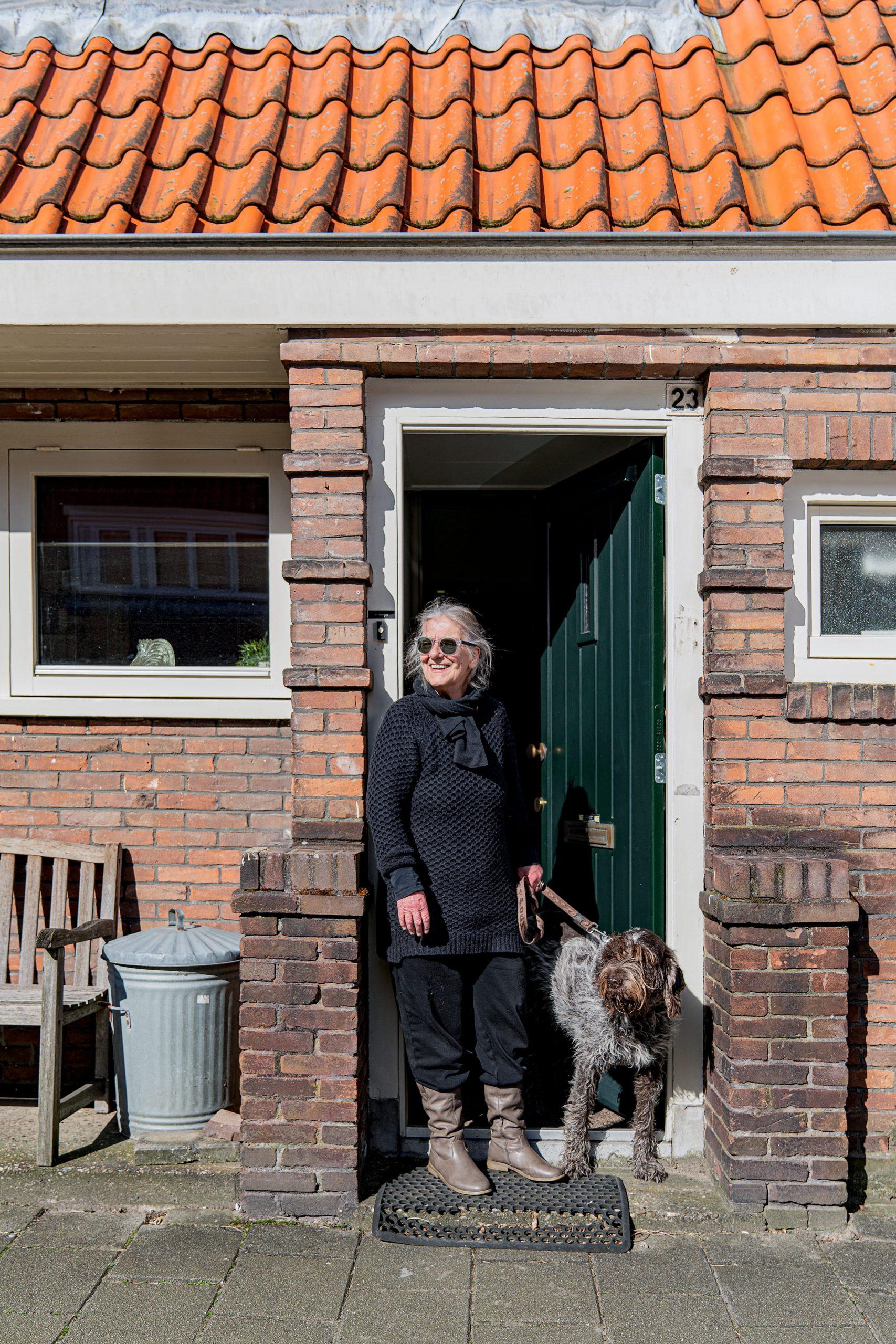 Amsterdammers in thuis Quarantaine door het Coronavirus