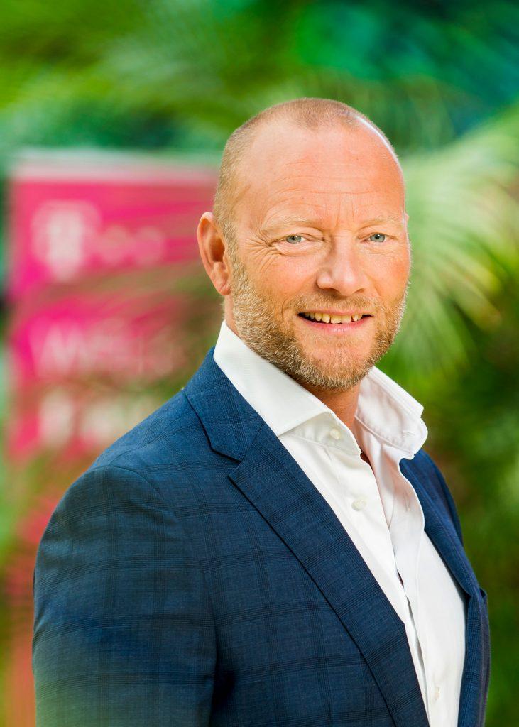 Zakelijk portret van Soren Abildgaard. CEO van T-mobile.